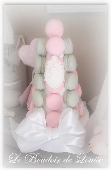 Le Boudoir de Louise (Pyramide de macarons)