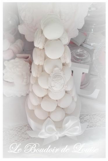 Le Boudoir de Louise (Pièce montée de macarons)