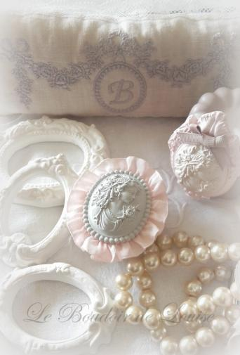Le Boudoir de Louise (Décoration en plâtre) www.leboudoirdelouise.org