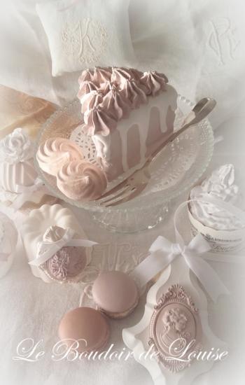 Le Boudoir de Louise (Gâteau chantilly gourmandise en plâtre shabby