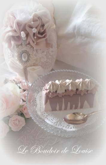 Le Boudoir de Louise (Petite bûche en plâtre, gourmandises shabby)