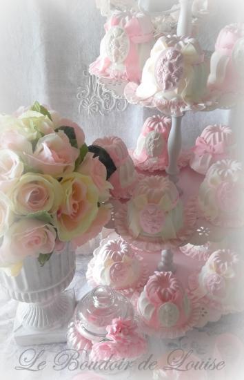 Le Boudoir de Louise (gâteaux en plâtre shabby)