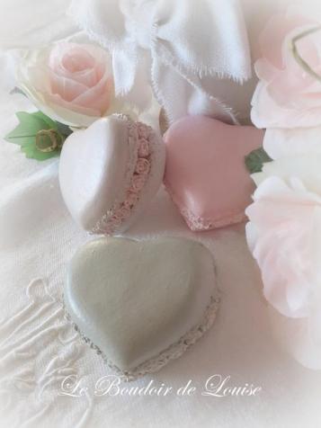 Le Boudoir de Louise (Gourmandises en plâtre shabby, macaron cœur)
