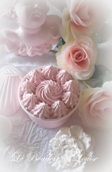 Le Boudoir de Louise (Joli pot glacé chantilly en plâtre shabby)